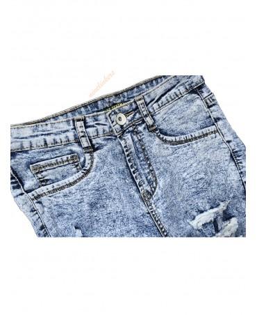 Snow wash skinny jeans for extreme shredding